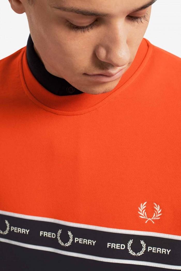 Fred Perry taped chest Sweatshirt international orange M7524 I66
